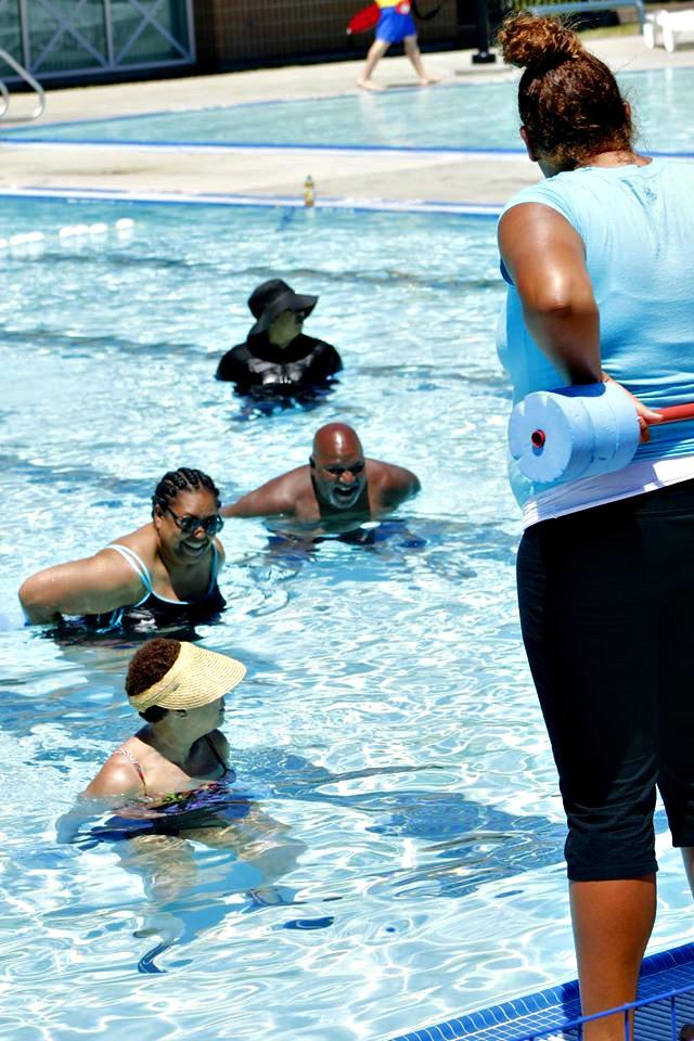 Seniors-enjoying-water-Aerobics