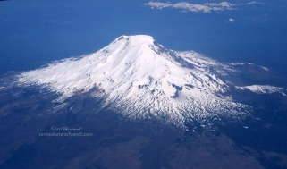 Mt-Hood-from-the-air
