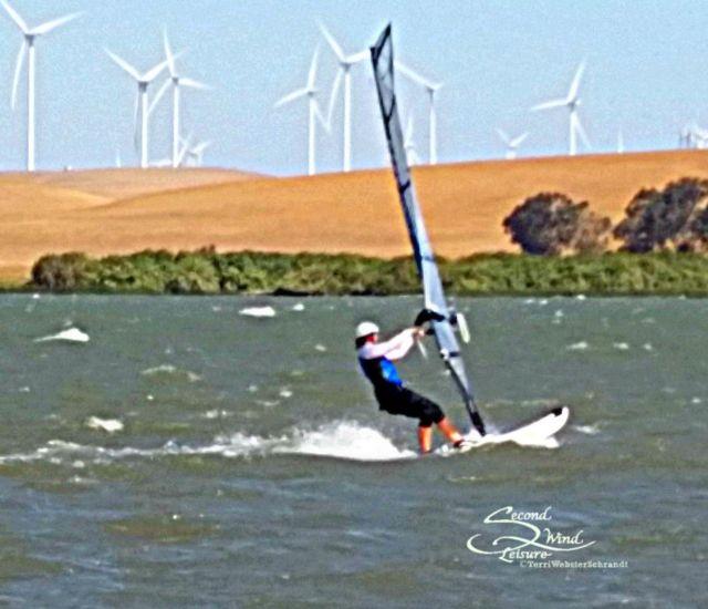 Windsurfing-Woman