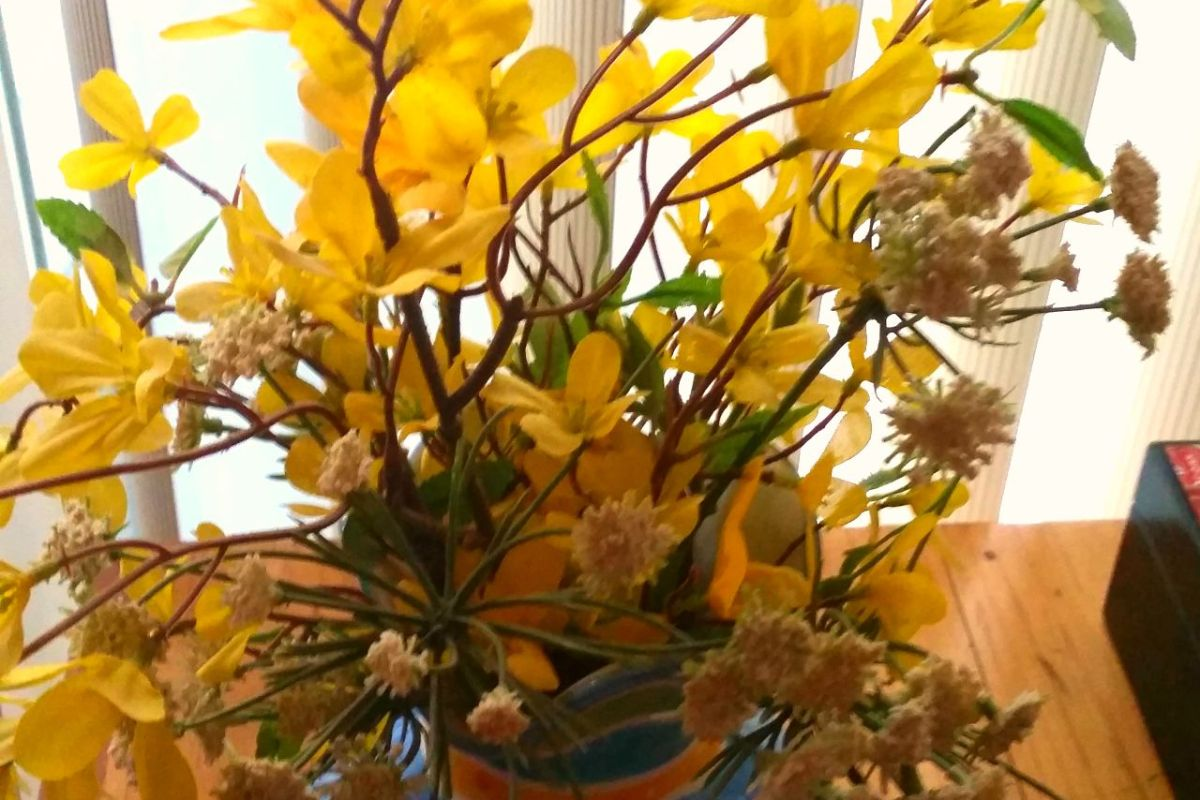 Vase-with-Yellow-Flowers