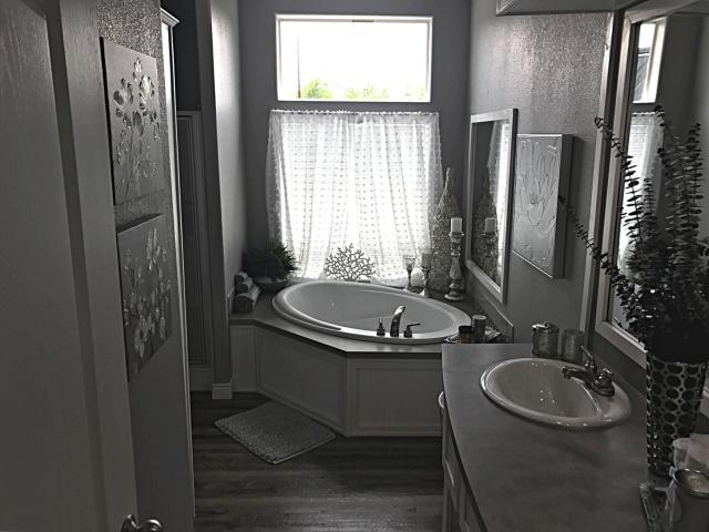 Mfg Home Master Bath