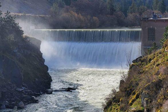 Nine Mile Falls, WA